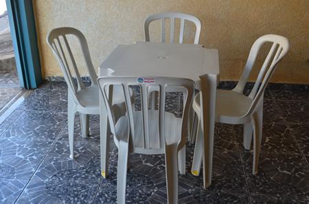Locação de Brinquedos, Mesas, Cadeiras, Gazebos para Festas e Eventos